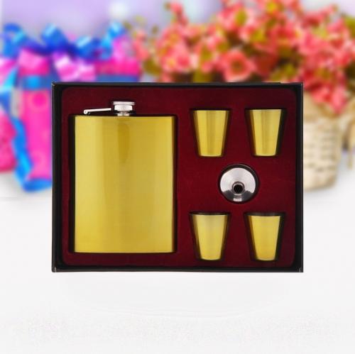 """Подарочный набор 6 в 1 """"Золото"""": фляжка 270 мл + 4 рюмки, воронка"""
